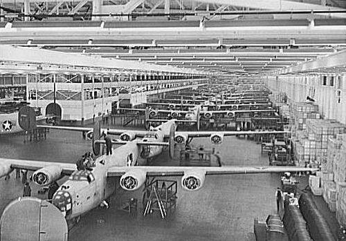 Ford_Liberators_Willow_Run_1944